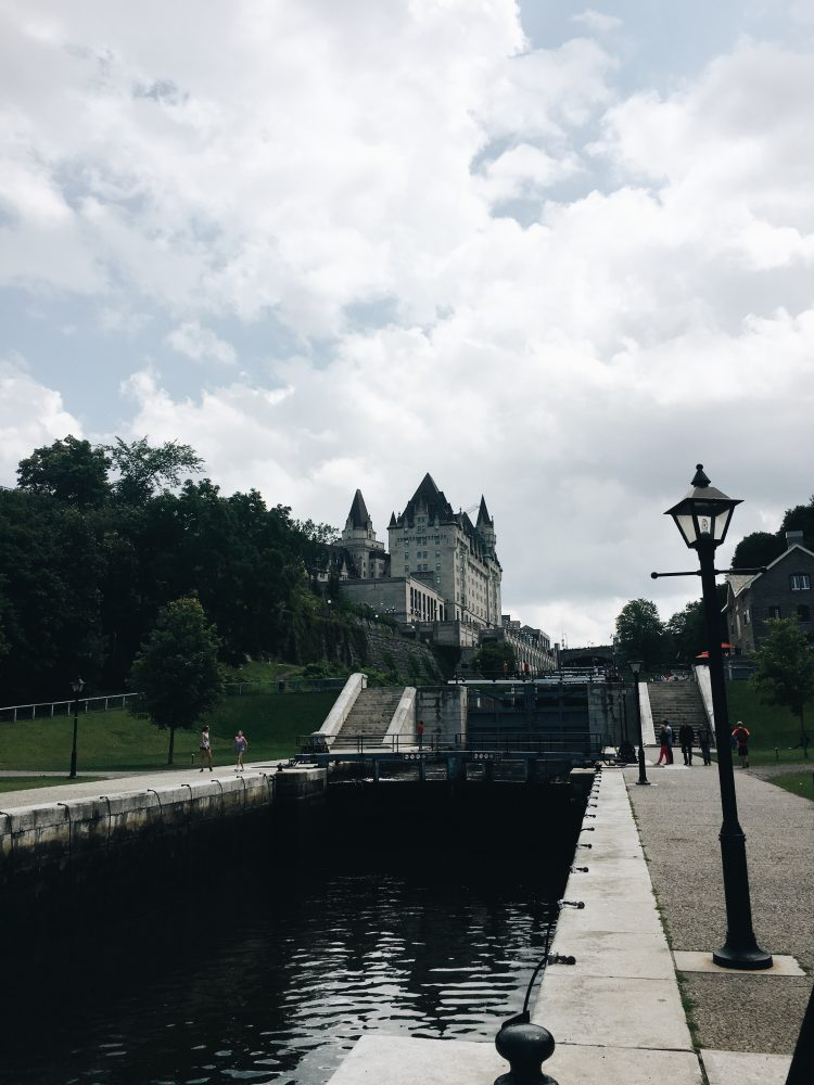 Travel to Ottawa - Mlle.Be